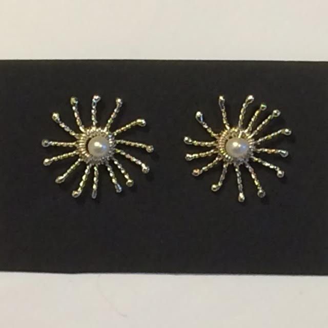Silver Pearl Sunstar Stud Earrings