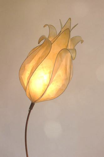 Curved Faith Lamp in cream