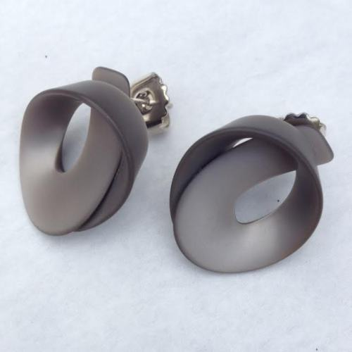 Cellulose Acetate Stud Earrings Torte