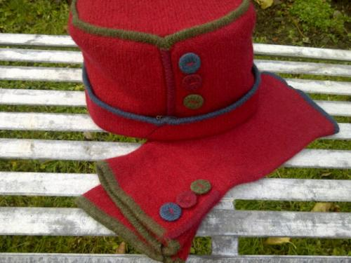 Felted Merino wool hat with armlets