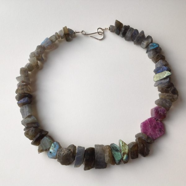 Necklace in Labradorite and Ruby with silver catch