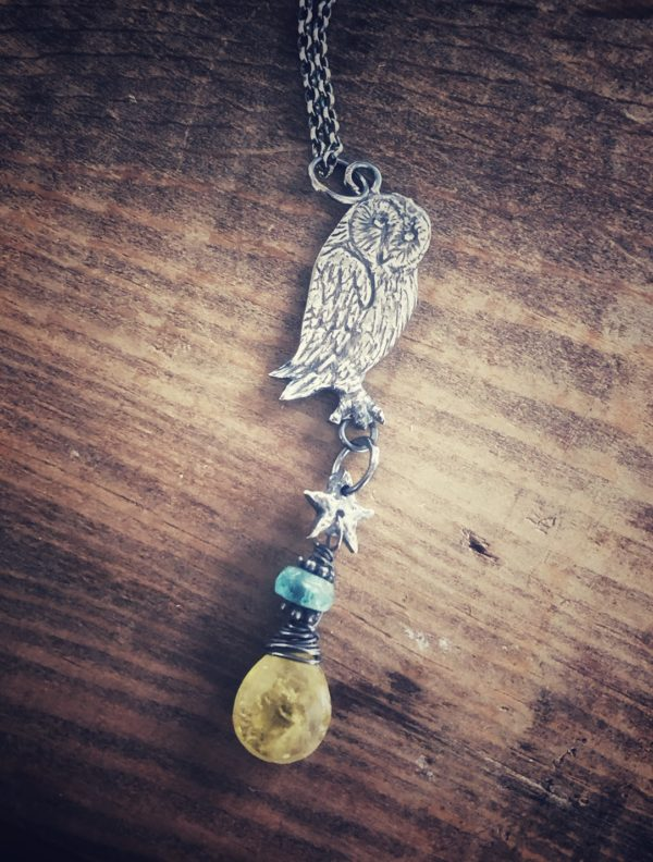Silver Owl pendant with peridot and apatite