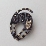 Brass & Bronze Brooch Scaredy Cat