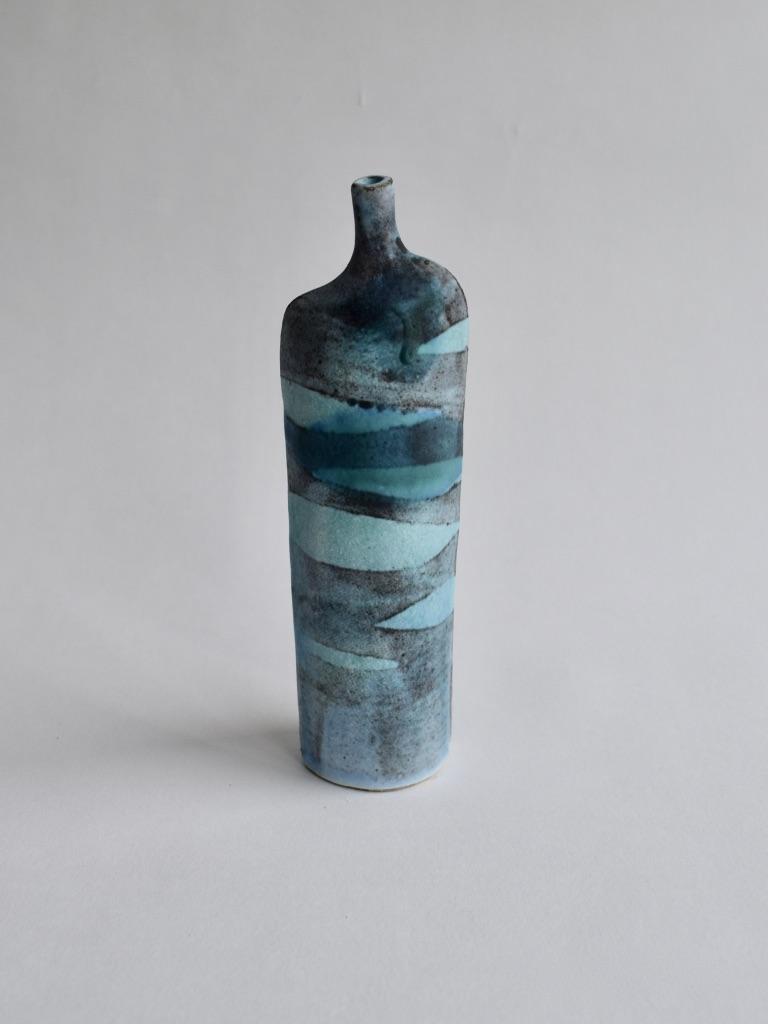 Stoneware Medium Tall Waves Bottle