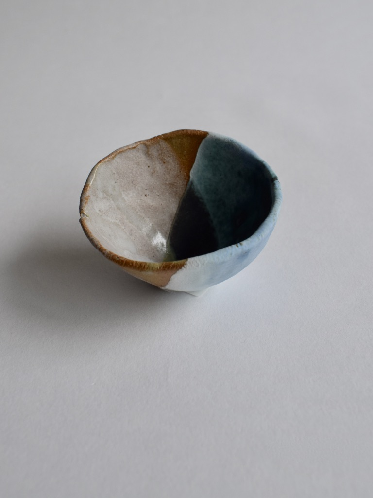 Stoneware Small Seashell Bowl