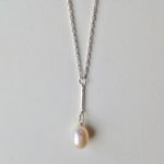 Single Pearl and Bar Necklace